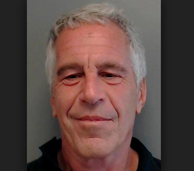 Tỷ phú Jeffrey Epstein bị truy tố vì tội mua bán tình dục với trẻ vị thành niên