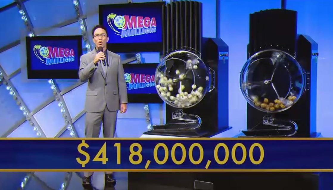 Một phụ nữ gốc Việt nhận tiền thưởng $2.5 triệu từ vé số Mega Millions bán ở South El Monte