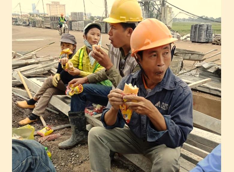Năng suất lao động của người Việt Nam bằng 1/30 Singapore