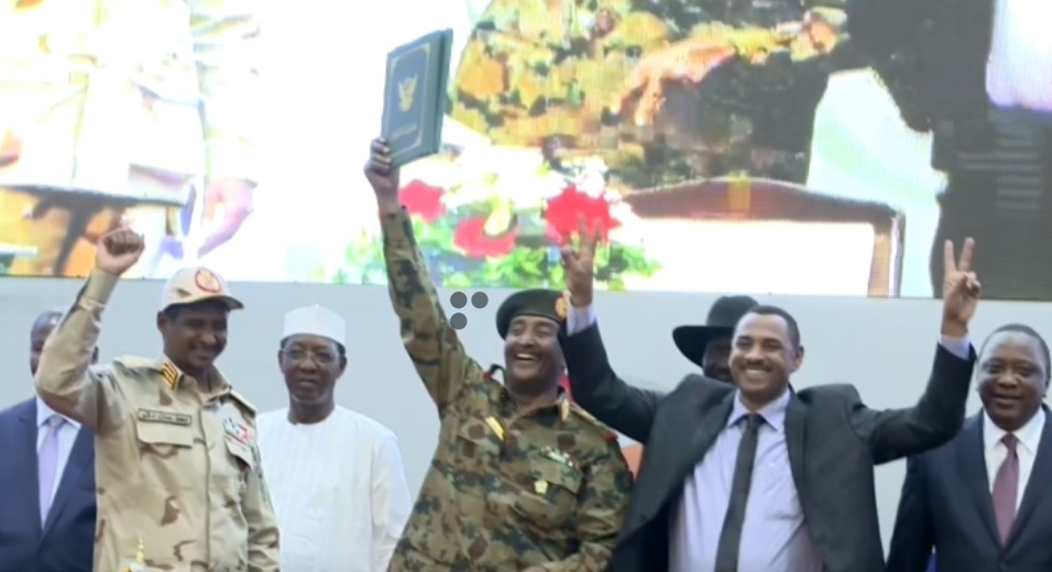 Hội đồng quân sự Sudan và phe đối lập ký thỏa thuận chia sẻ quyền lực tạm thời