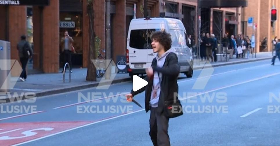 Tấn công bằng dao ở trung tâm Sydney – một người chết, một bị thương