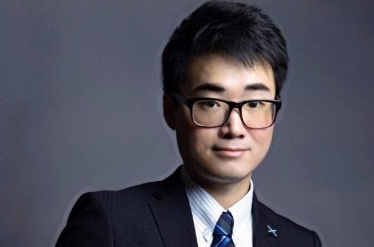 Nhân viên tòa lãnh sự Anh Quốc trở về Hồng Kông sau khi bị Trung Cộng giam giữ