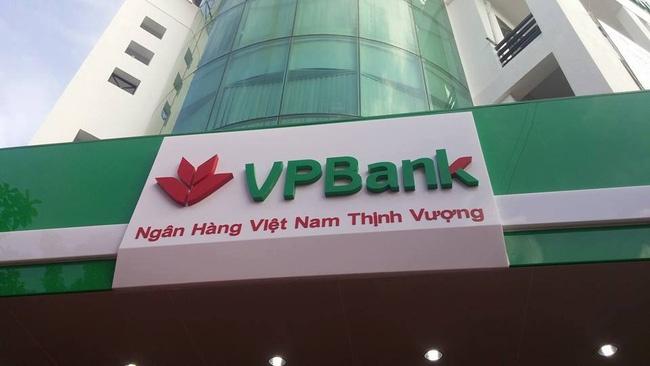 Hàng ngàn nhân viên ngân hàng bị cho nghỉ việc