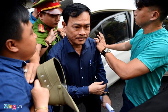 Ấu dâm Nguyễn Hữu Linh bị tuyên 18 tháng tù giam