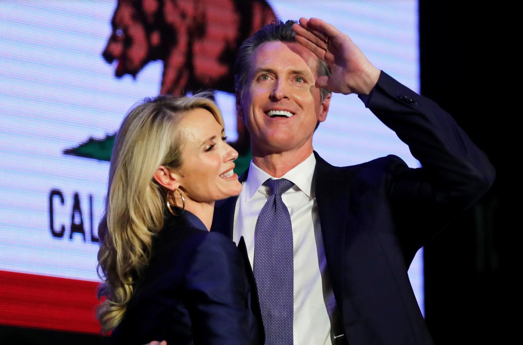 Thống đốc Gavin Newsom ân xá cho một người đàn ông gốc Việt tránh bị trục xuất về Việt Nam