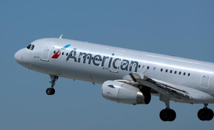 Một thợ máy bị cáo buộc phá hoại máy bay của American Airlines có quan hệ với ISIS