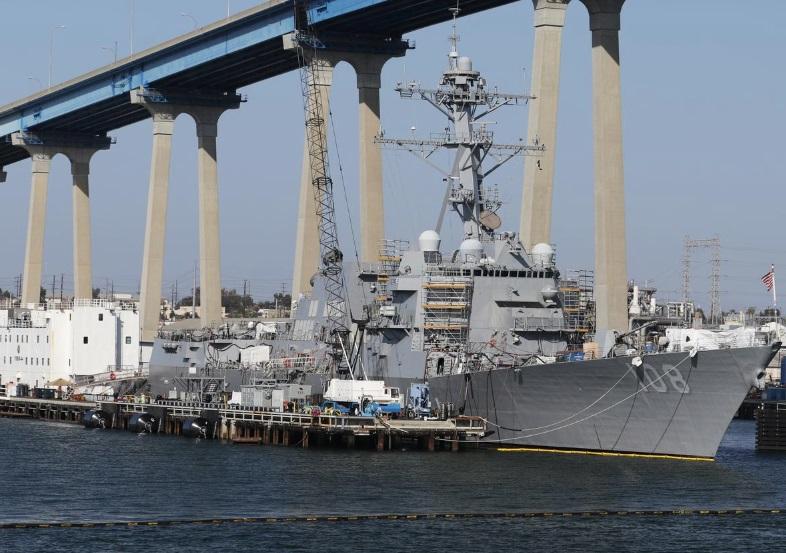 Khu trục hạm Hoa Kỳ tuần tra trong vùng biển bị tranh chấp ở Biển Đông