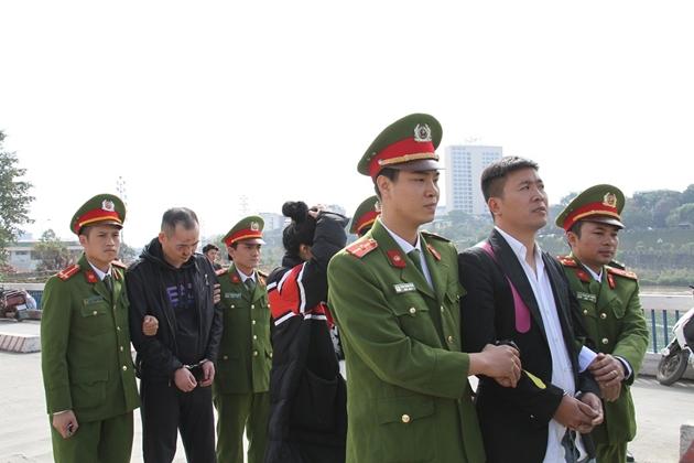 Nhóm người Trung Cộng ăn cắp thông tin của người Việt để rút trộm tiền