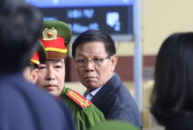 Cựu trung tướng công an Phan Văn Vĩnh CSVN bị cáo buộc hình sự mới