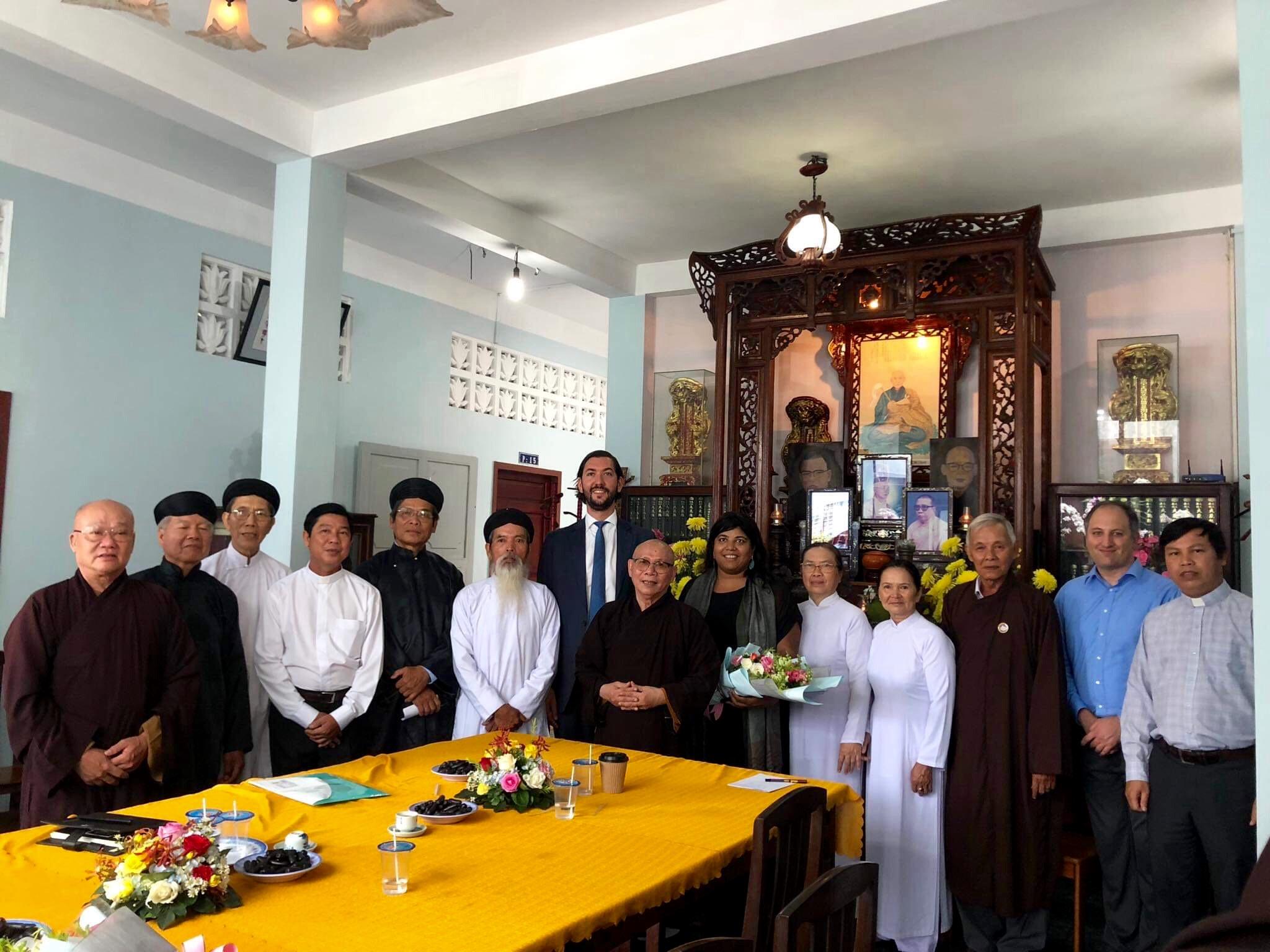 Hội Đồng Liên Tôn Việt Nam làm việc với phái đoàn Uỷ Ban Tự Do Tôn Giáo Quốc Tế của Mỹ