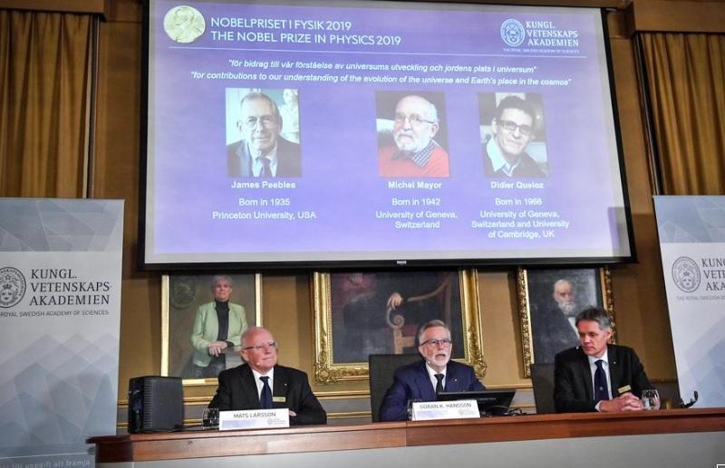 Nghiên cứu về các hành tinh và một không gian mới được trao giải thưởng Nobel Vật Lý 2019