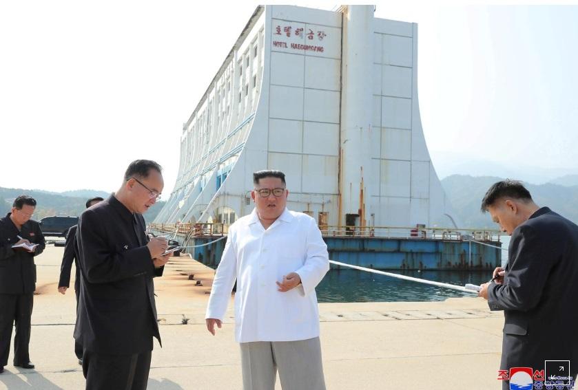 """Bắc Hàn muốn phá bỏ những công trình """"tư bản chủ nghĩa"""" của Nam Hàn ở khu nghỉ mát núi Kim Cương"""
