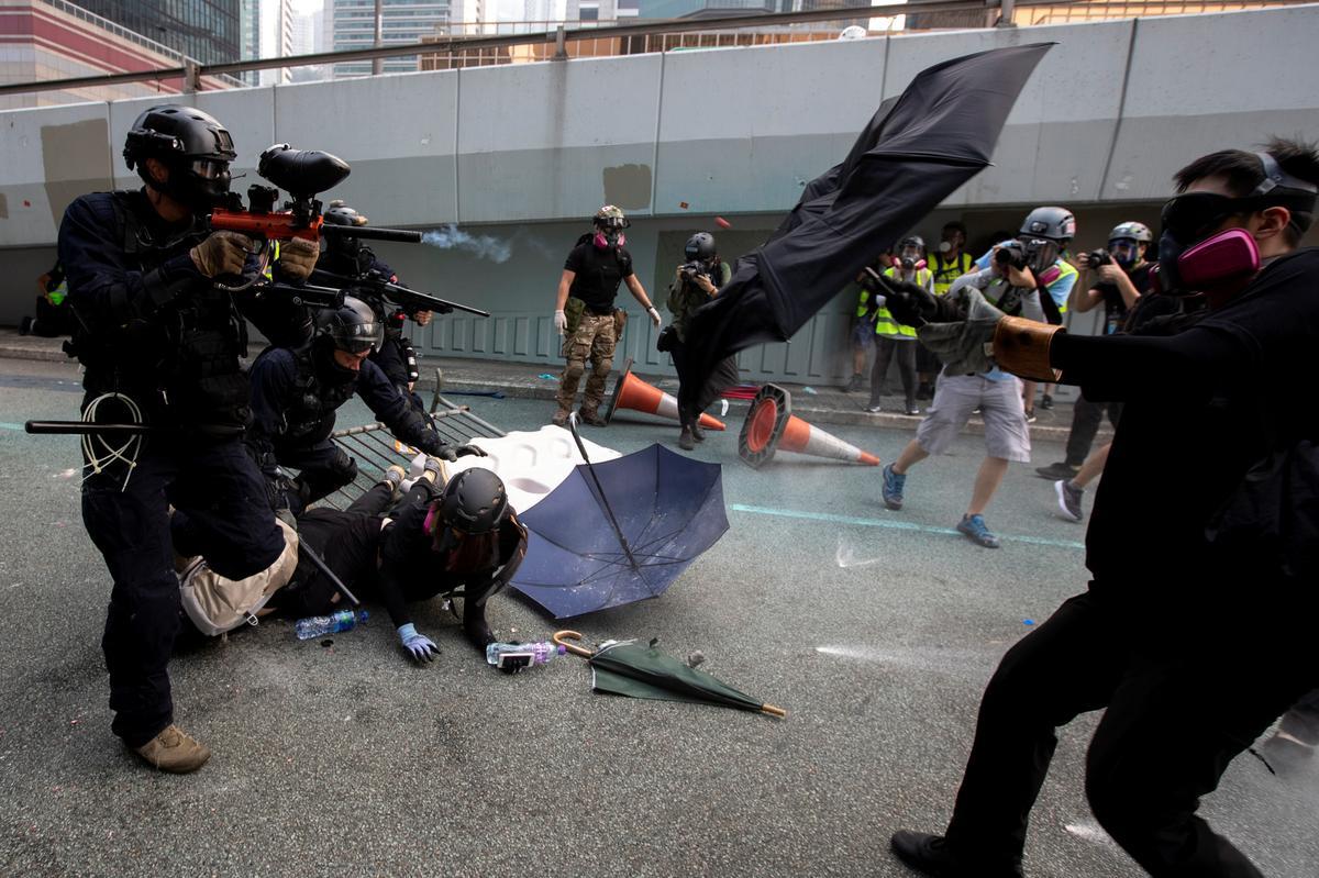 Cảnh sát Hồng Kông được gia tăng quyền hạn trong nỗ lực chấm dứt tình trạng khủng hoảng