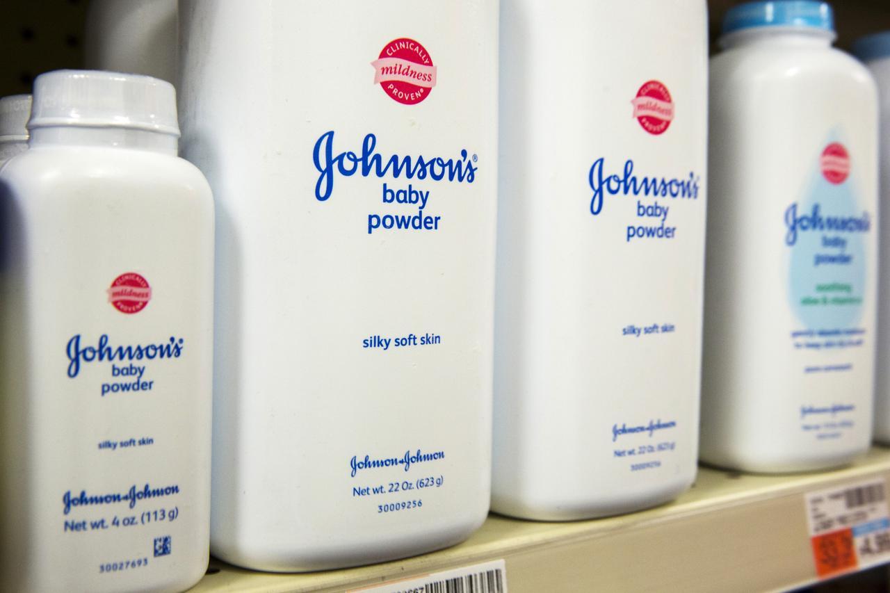 Johnson&Johnson thông báo 15 kết quả thử nghiệm cho thấy phấn em bé không chứa Asbestos