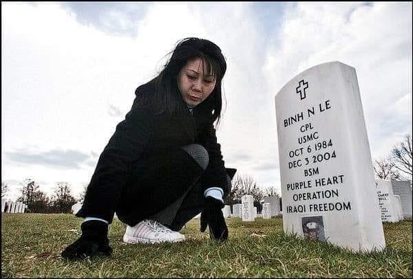 Người mẹ Việt Nam đoàn tụ với con trai ở nghĩa trang Arlington