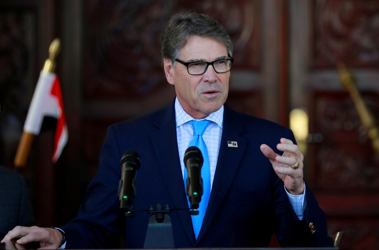 Bộ trưởng năng lượng Rick Perry trở thành nhân vật chính trong cuộc điều tra luận tội tổng thống Trump