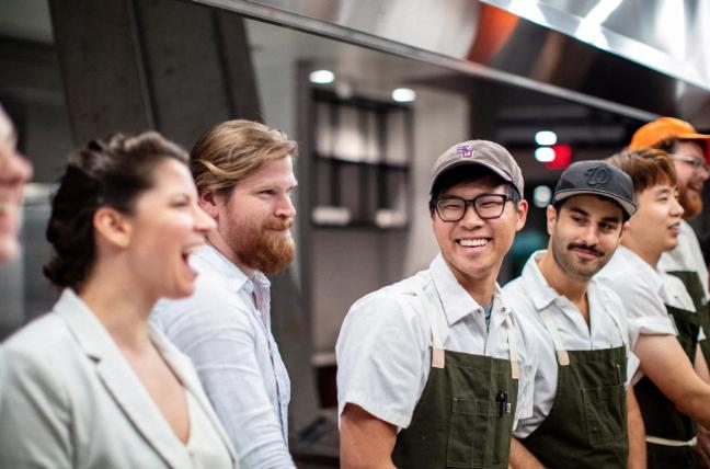 Đầu bếp người Mỹ gốc Việt – Kevin Tiến mở nhà hàng mới ở Washington