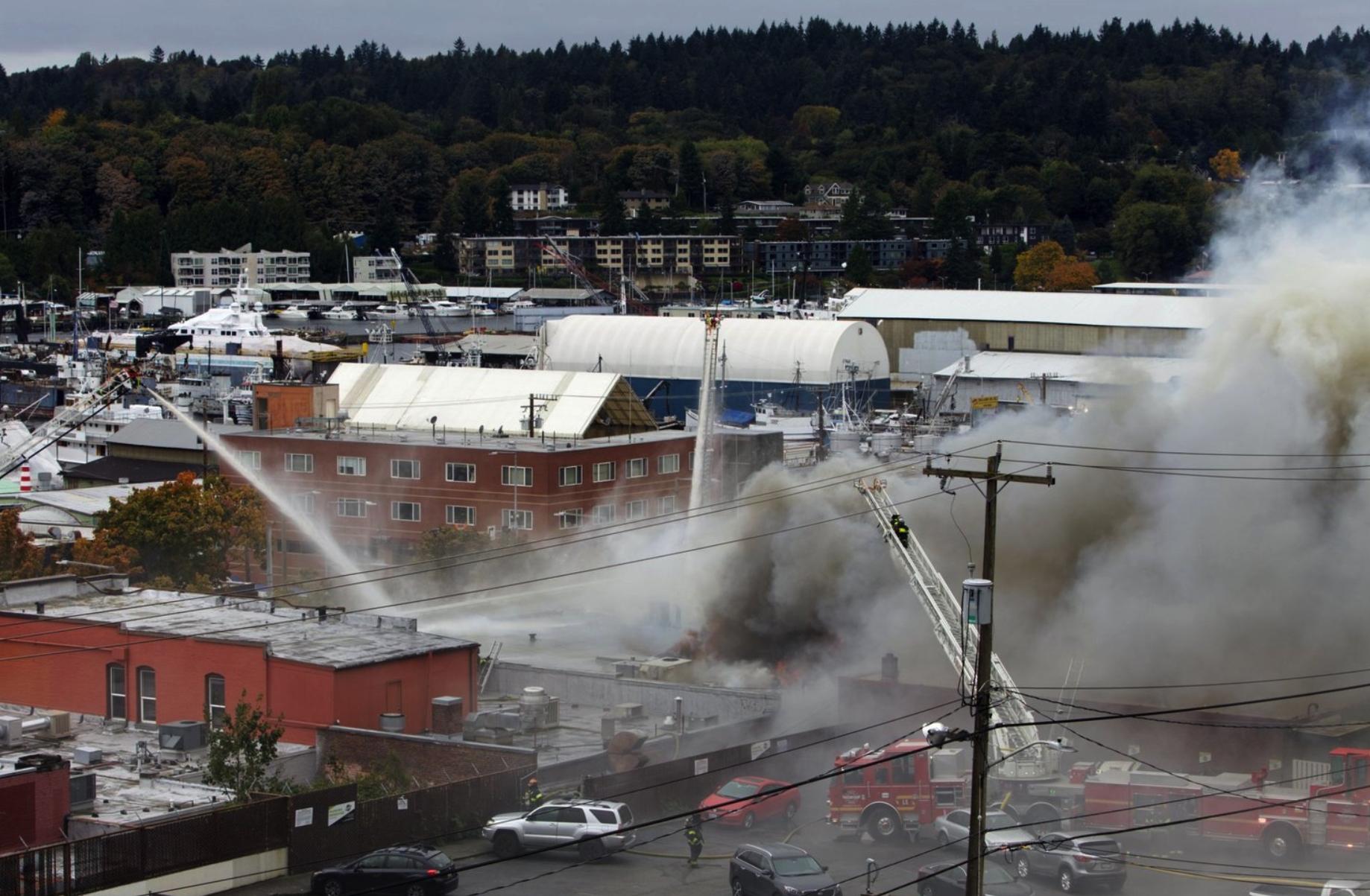 Hỏa hoạn ở khu Ballard, thành phố Seattle ít nhất 5 cơ sở thương mại bị thiêu rụi
