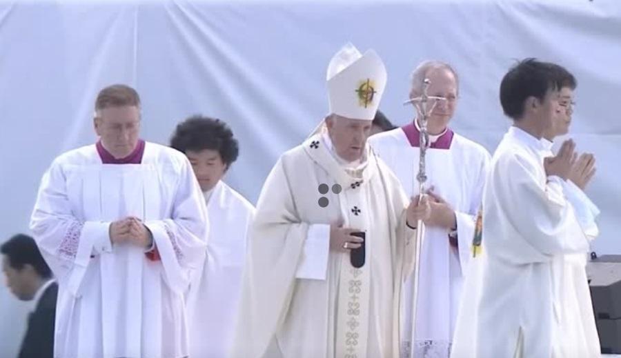 Đức Giáo Hoàng Francis an ủi các nạn nhân của thảm họa hạt nhân Fukushima