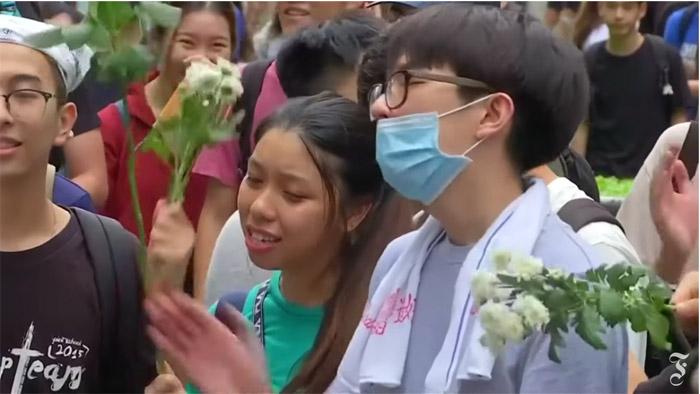 Sinh viên Việt Nam tại trường đại học Trung Văn Hồng Kông về nước