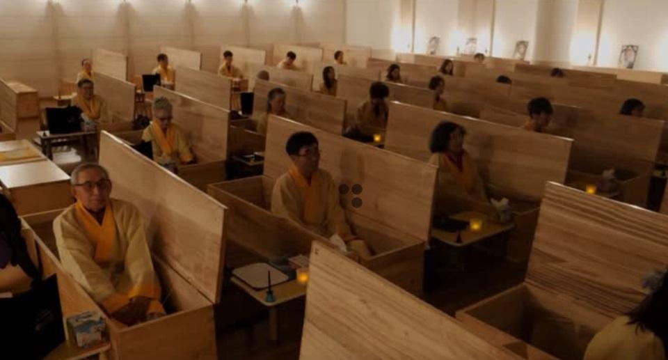Dân Nam Hàn làm đám tang giả của mình để thấy giá trị cuộc sống