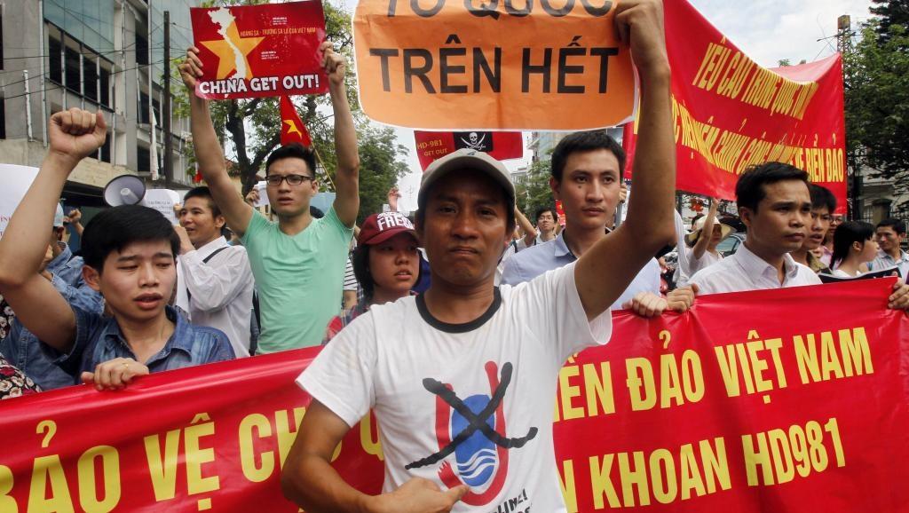 Nhân sỹ Sài Gòn kêu gọi mặc áo Trường Sa – Hoàng Sa