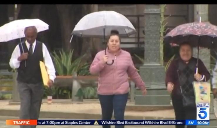 Mưa đá và tuyết rơi tại Nam California sau hai ngày cuối tuần nắng nóng kỷ lục