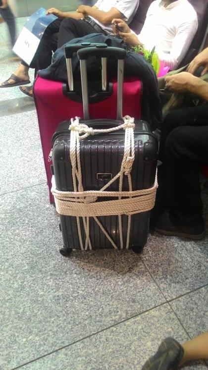 Nữ hành khách mất 2,000 Euro sau khi đáp xuống phi trường Nội Bài