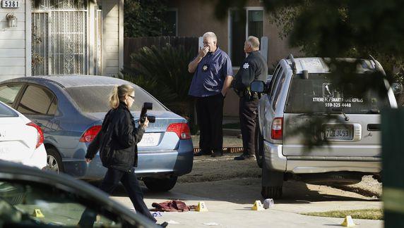 Một tay súng bắn chết bốn người trong một bữa tiệc sân sau nhà ở thành phố Fresno, California