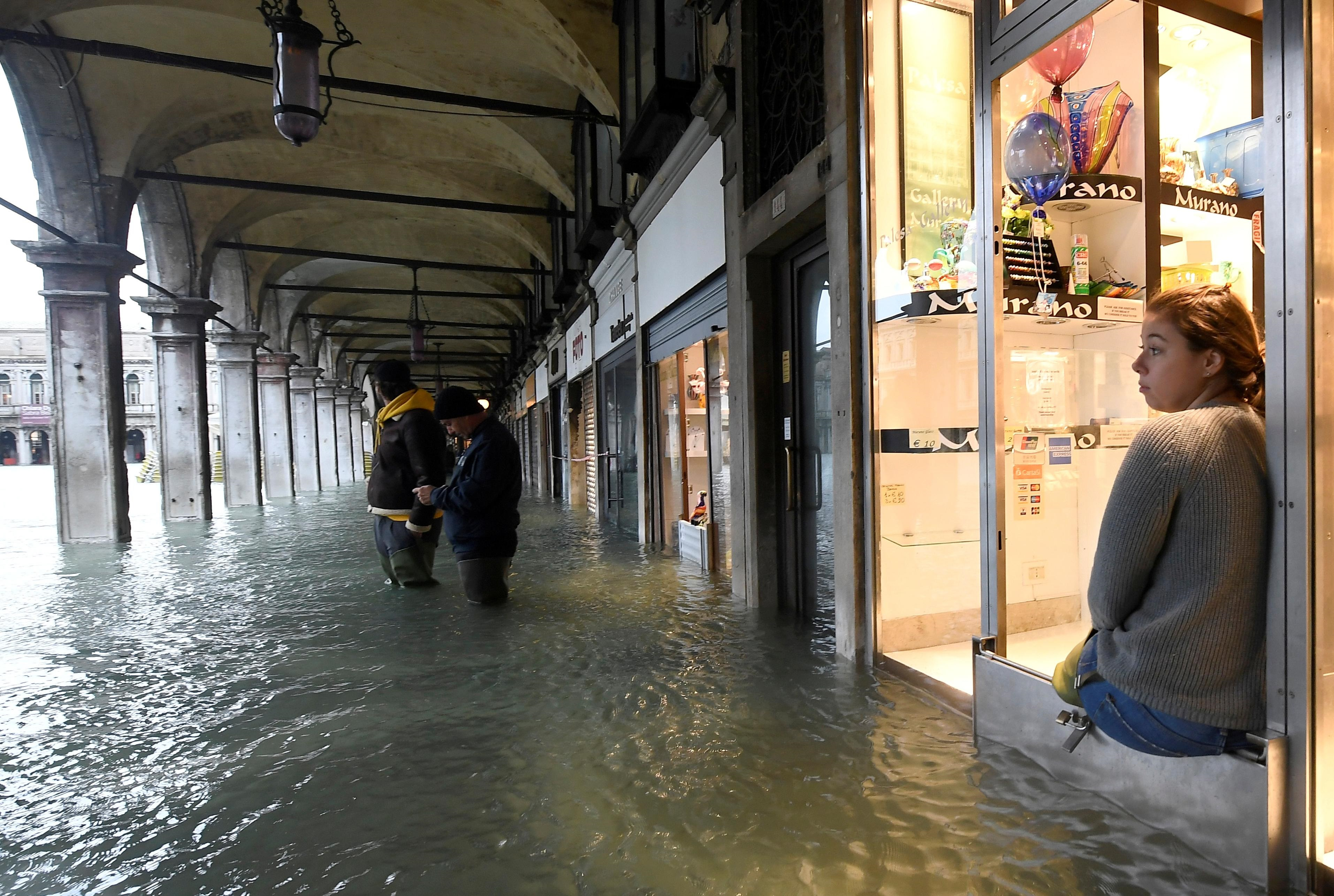 Biến đổi khí hậu và hoạt động của con người đang khiến tình hình ở Venice trở nên trầm trọng hơn