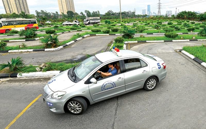 Từ năm 2020 người Việt muốn có giấy phép lái xe phải học môn đạo đức