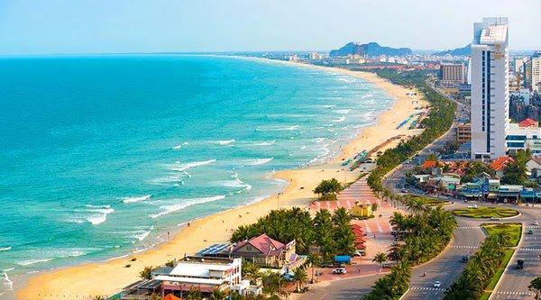 Phóng viên Trung Cộng viết sách quảng bá bãi biển Đà Nẵng là của Trung Cộng