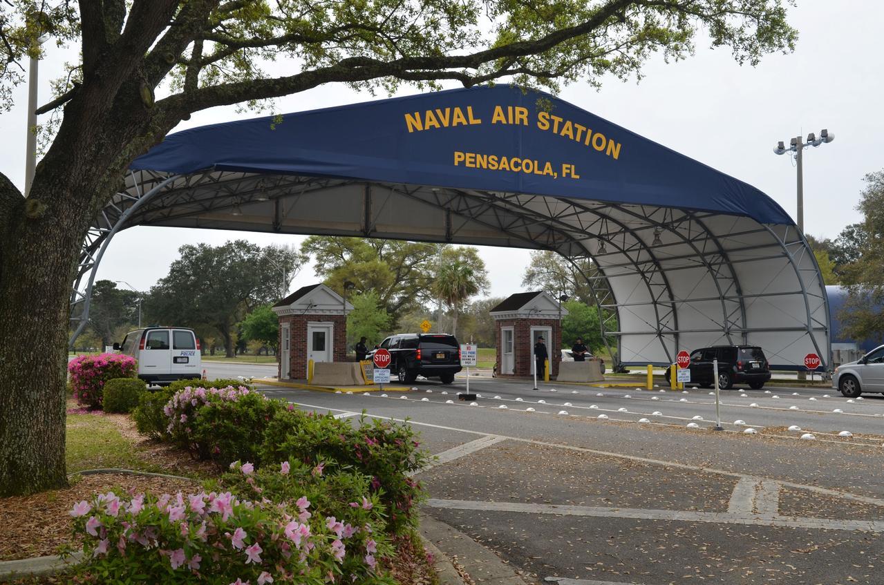 Tay súng người Saudi Arabia và ba người khác thiệt mạng tại căn cứ hải quân Hoa Kỳ ở Pensacola, Florida