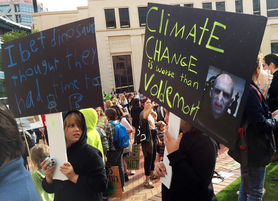 Các công ty nhiên liệu hóa thạch bị cáo buộc cố gắng gây ảnh hưởng đến các cuộc đàm phán về khí hậu