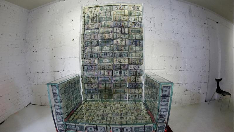 Nghệ sĩ và tỷ phú người Nga chế tạo ngai vàng 1 triệu Mỹ kim