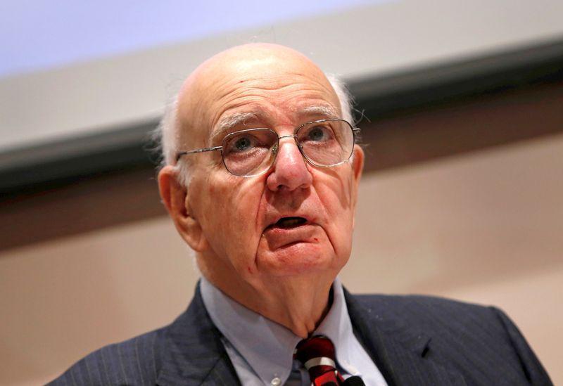 Kinh tế gia Paul Volcker, người giúp đánh bại lạm phát tại Hoa Kỳ, qua đời ở tuổi 92