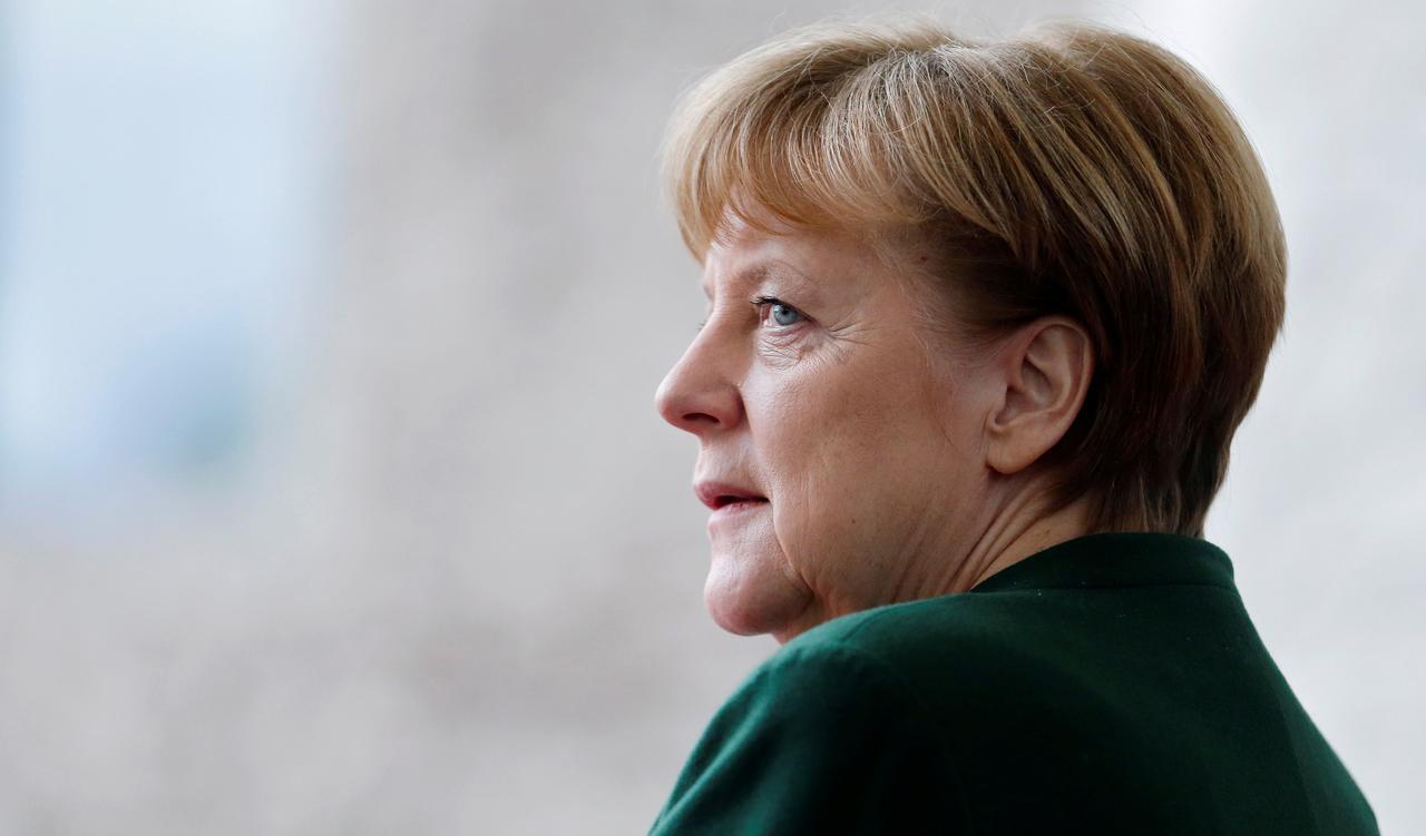 Thủ Tướng Đức Angela Merket đối mặt với sự nổi dậy trong Quốc Hội