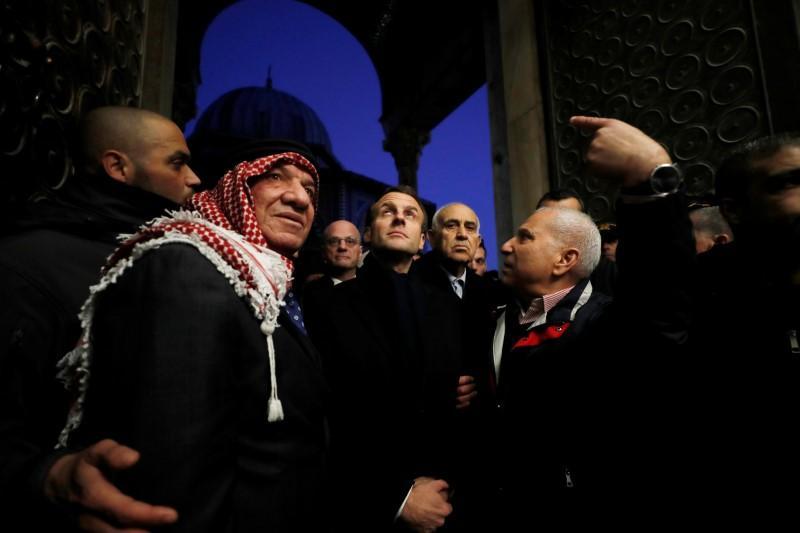 Tổng Thống Pháp ra lệnh cho nhân viên an ninh Israel rời khỏi nhà thờ Jerusalem