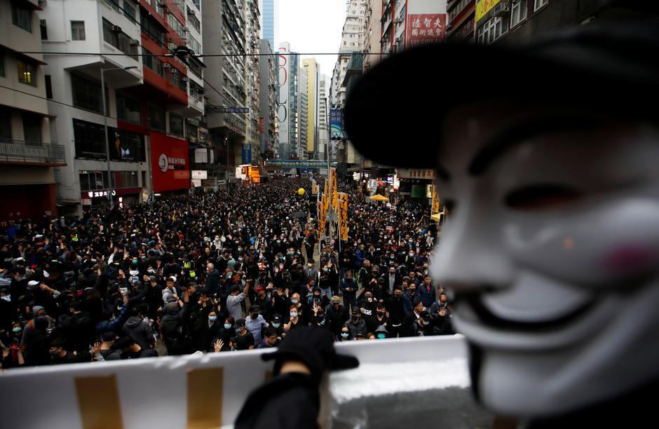Cuộc biểu tình ngày đầu năm mới tại Hong Kong trở thành bạo loạn