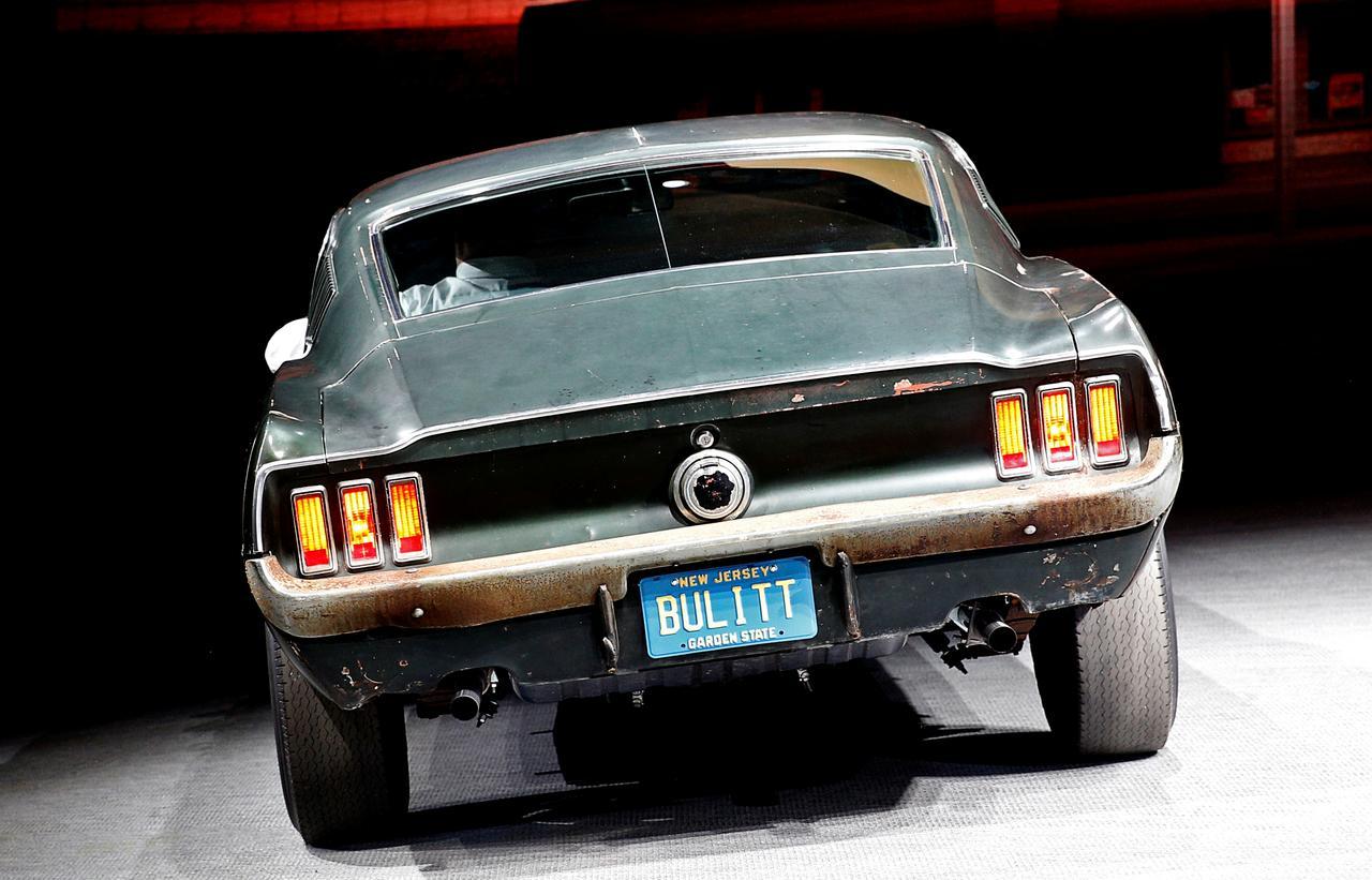 """Chiếc xe Ford Mustang do nam tài tử Steve McQueen lái trong """"Bullitt"""" được bán với giá 3.4 triệu Mỹ kim"""