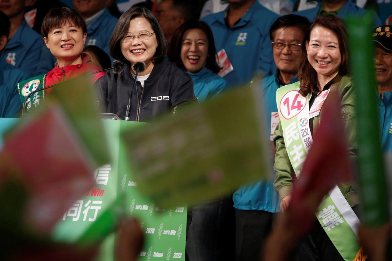 Người biểu tình Hong Kong có thêm hy vọng  sau chiến thắng áp đảo của tổng thống Đài Loan