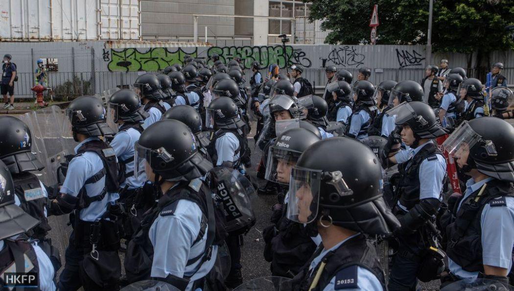 Cảnh sát chống bạo động ở Hồng Kông bắt đầu trở về nhiệm vụ bình thường khi các cuộc biểu tình giảm dần