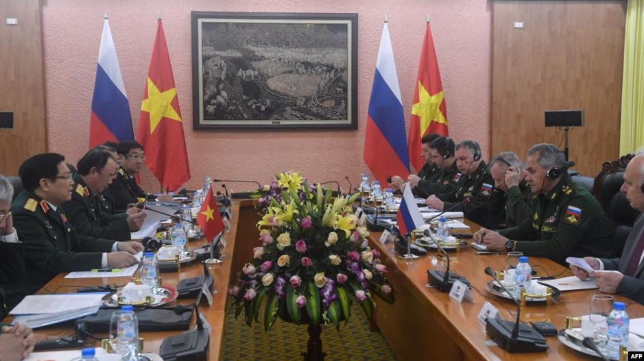 CSVN tăng cường hợp tác với Nga để chống lại Hoa Kỳ và Trung Cộng