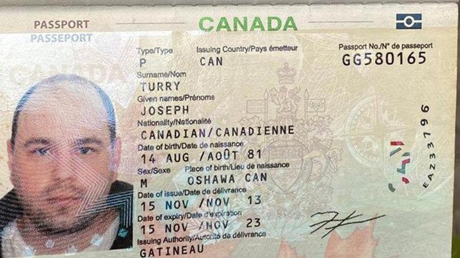 Dukhách Canada tử vong trên vỉa hè ở phố cổ Hà Nội