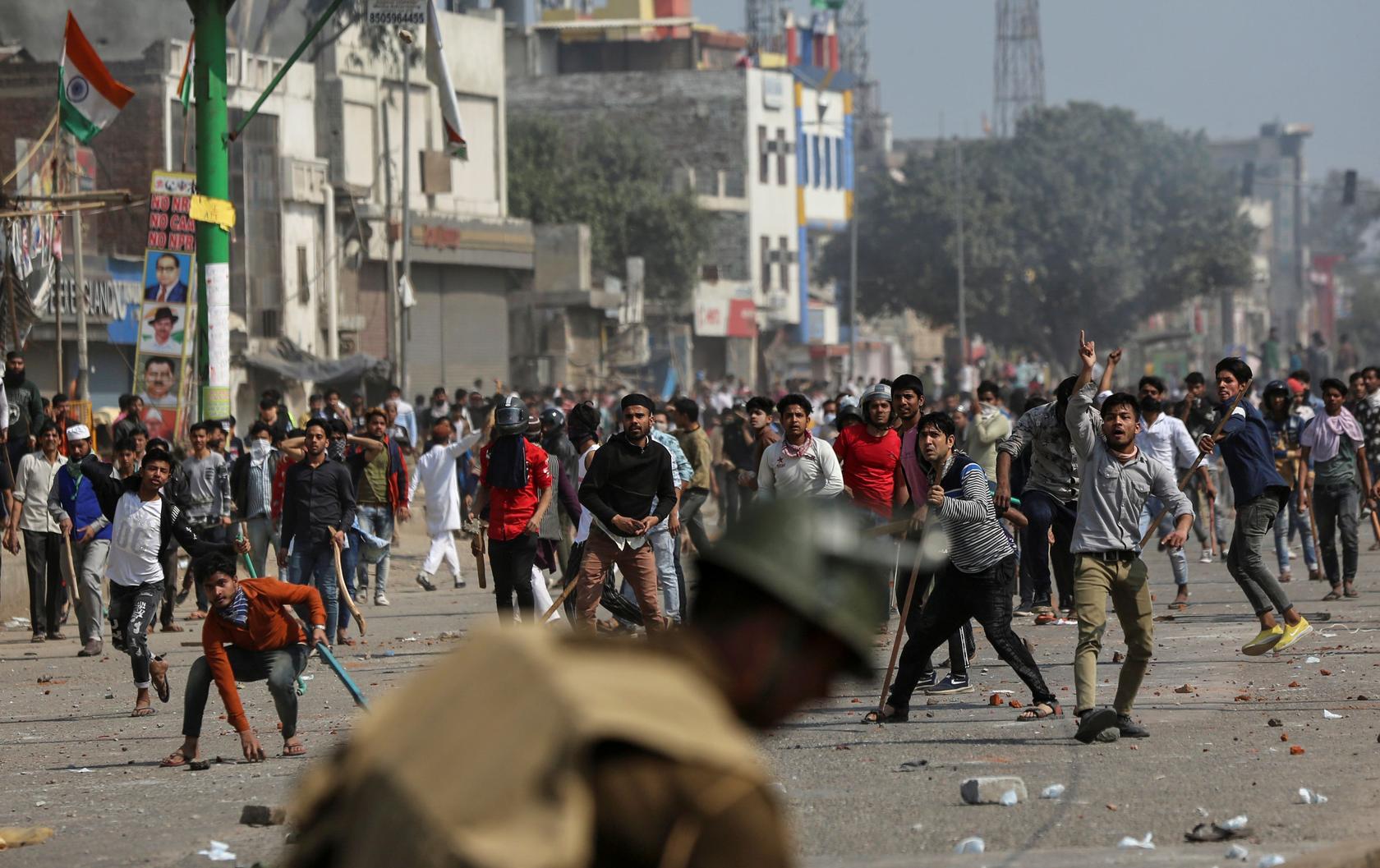 10người chết,150người bị thương sau một vụ bạo lực ở thủ đô Ấn Độ