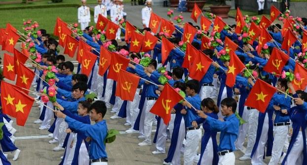 TrướcĐảng XIII: chán Đảng, bè phái, biến chất vượt cấp (Phạm Trần)
