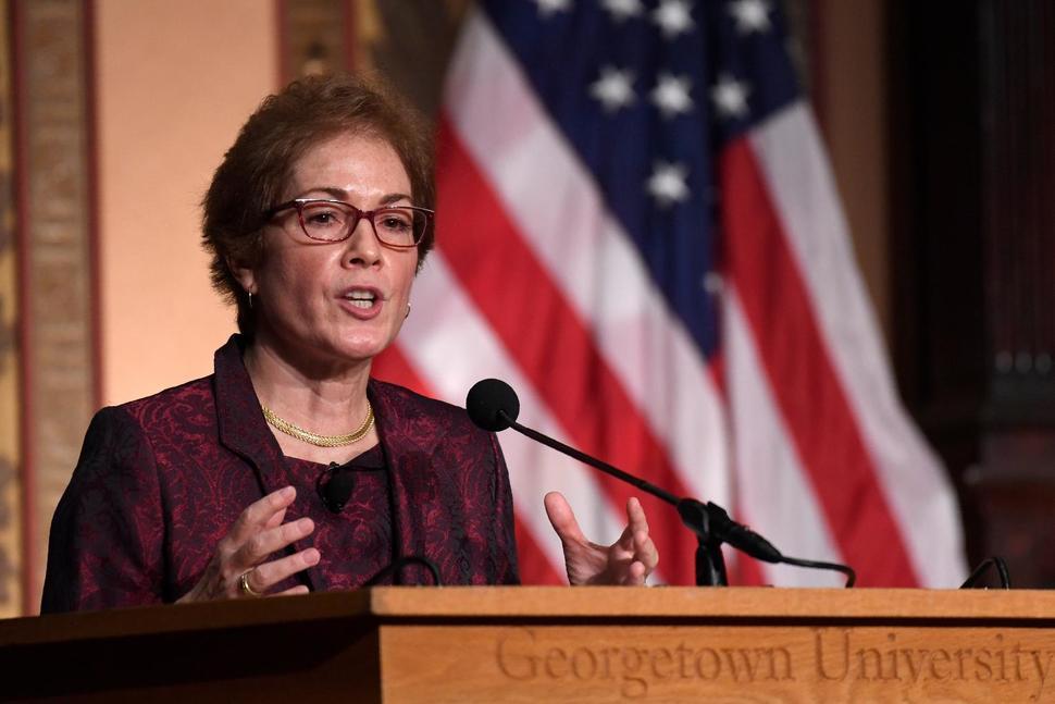 Cựu đại sứ Hoa Kỳ tại Ukraine thúc đẩy sinh viên theo đuổi ngành ngoại giao