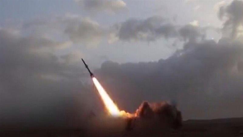 Hỏa tiễn bị đánh chặn trên bầu trời thủ đô Saudi Arabia và thành phố Jazan