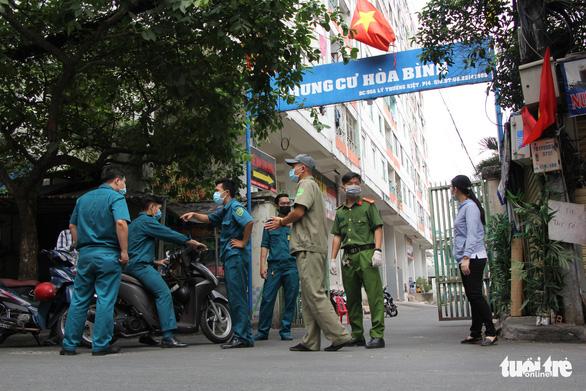 """Đến lượt người dân Sài Gòn bị """"phong toả"""" vì dịch coronavirus 19"""