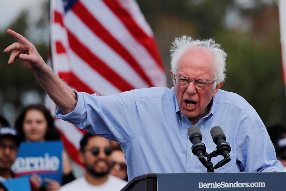 Thượng Nghị Sĩ Bernie Sanders xem xét liệu có nên tiếp tục tranh cử tổng thống